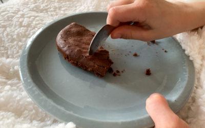 Gâteau au chocolat peu sucré
