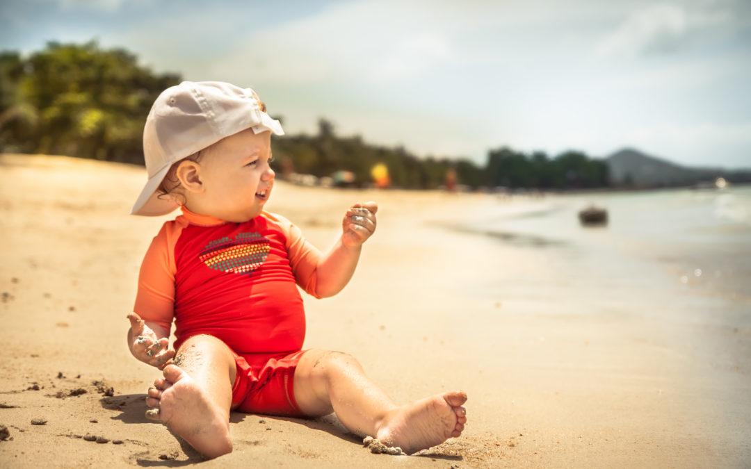 Bien protéger nos bébés et enfants du soleil