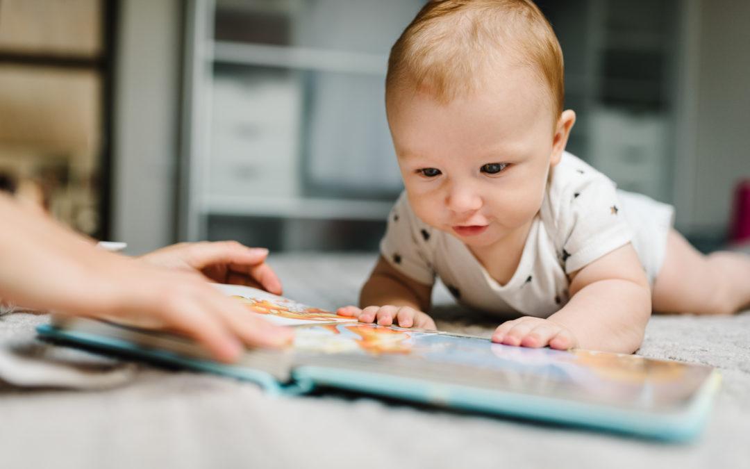 Éveiller les tout-petits (0-12 mois) à la lecture
